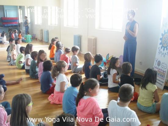 30.06.2015 - Yoga para Crianças - Programa Aprende+ Colégio Heliantia - VNG